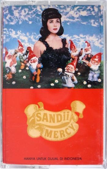 1990 'Mercy' Sandii, Indonésie